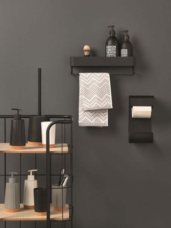 Bakkersrek en accessoires badkamer