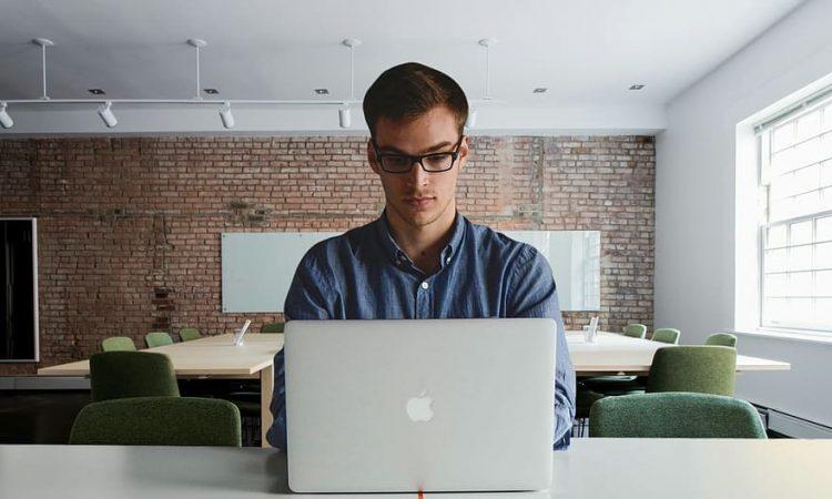 Verhoog je eigen productiviteit en schaf een laptop aan