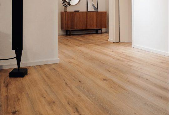 Sfeer in huis met een houten vloer
